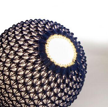 מנורת שולחן סרוגה FREE בצבע כחול