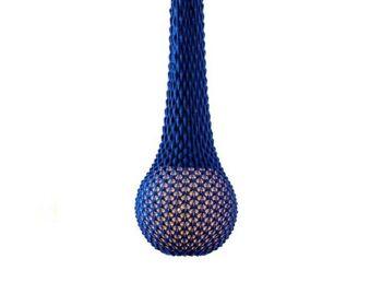 מנורה סרוגה תלויה בצבע כחול