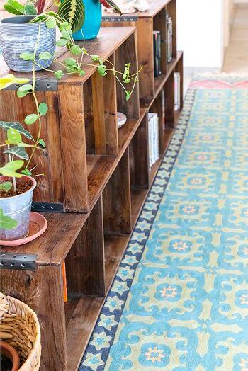 דגם 55 – שטיח צמר מאורך למסדרון ולמטבח בצבע תכלת.