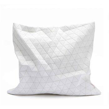 כרית ריבועית לבנה עם הדפס אוריגמי מתקפל