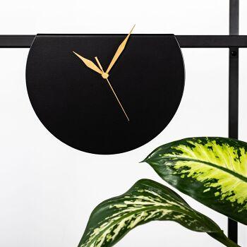 GALA – שעון עגול מעוצב בצבע שחור