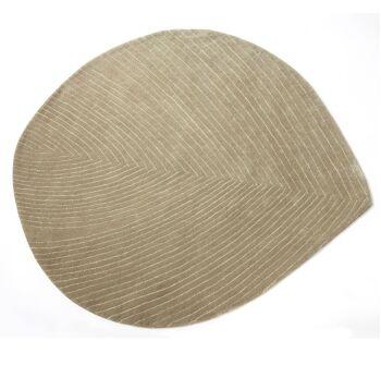 שטיח בצורת עלה, צבע חאקי QUILL M