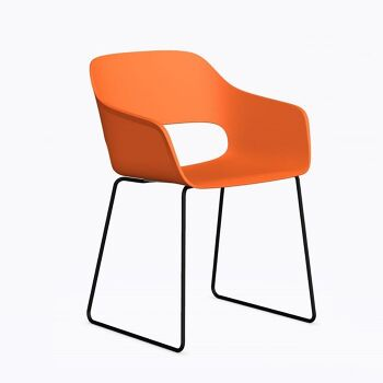 כסא אוכל בצבע כתום