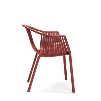 כסא אוכל לגינה בצבע אדום