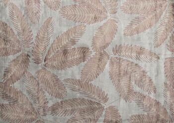 שטיח חום ירוק בדוגמת עלים