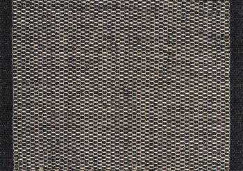 שטיח שחור לבן
