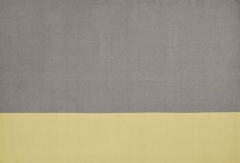 שטיח צהוב