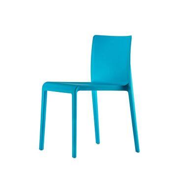 כסא אוכל בצבע תכלת