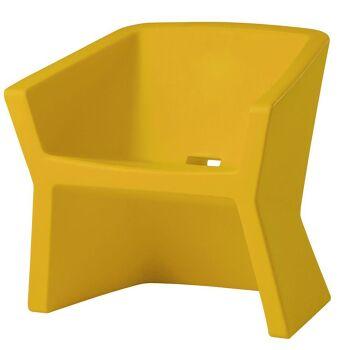 כורסת גן דקורטיבית, בצבע צהוב