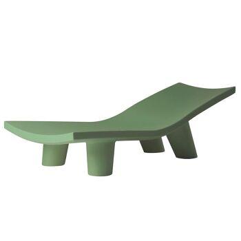 מיטת שיזוף ליטא בצבע בעיצובה של פאולה נבונה ירוק