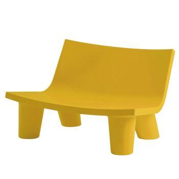ספה ליטא בצבע בעיצובה של פאולה נבונה בצבע צהוב