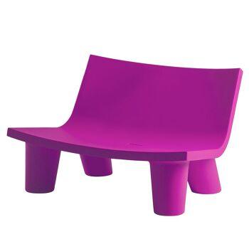 ספה ליטא בצבע בעיצובה של פאולה נבונה בצבע ורוד
