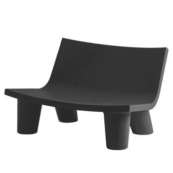 ספה ליטא בצבע בעיצובה של פאולה נבונה בצבע שחור