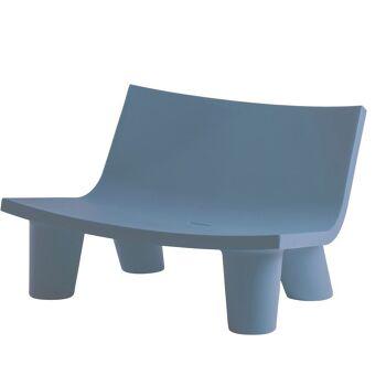 ספה ליטא בצבע בעיצובה של פאולה נבונה בצבע כחול
