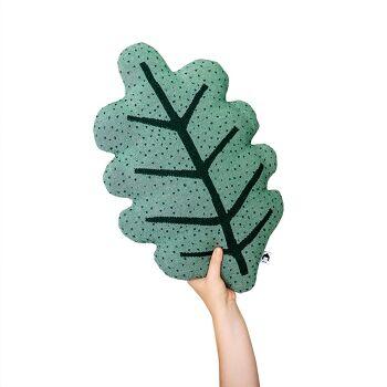 כרית ירוקה בצורת עלה